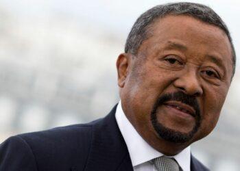 Le président gabonais, Ali Bongo, s'est attaqué pour la première fois à Jean Ping. Ancien collaborateur d'Omar Bongo et ex-président de la Commission de l'Union africaine, Jean Ping est devenu l'opposant le plus virulent au régime d'Ali Bongo. Le président gabonais est passé à l'attaque dans une interview donnée dimanche 17 août en marge de la célébration de la fête nationale, à Libreville.
