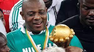 Le bras de fer se poursuit entre Stephen Keshi et la Fédération nigériane de football. Il réclame une revalorisation salariale.