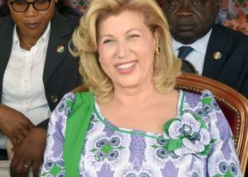 Côte d'Ivoire : dons de Dominique Ouattara avant une visite d'Etat de son époux dans le fief de son allié Bédié