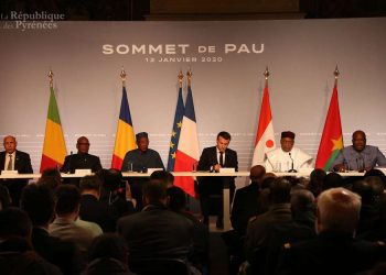 Les Chefs d'Etat membres du G5 Sahel et le Président de la République française se sont réunis ce jour 13 janvier 2020 à Pau en France en vue d'examiner la situation dans l'espace G5 Sahel.