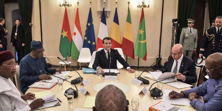 Les cinq chefs États des pays du Sahel (Mauritanie, Burkina Faso, Niger, Tchad et Mali) se sont réunis ce lundi 13 janvier 2020 à Pau, dans le sud de la France(Pyrénées-Atlantiques) à l'invitation du président Emmanuel Macron à l'effet d'éclairer le cadre d'intervention militaire et d'accompagnement politique de la guerre au Sahel.