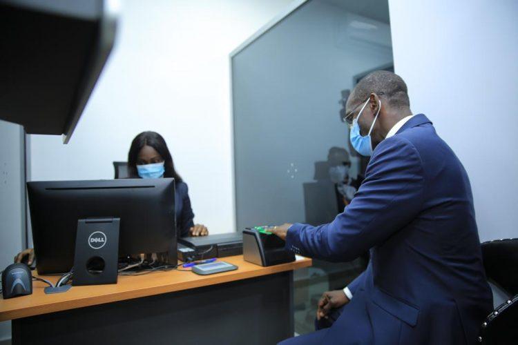 15 minutes pour les formalités du passeport à l'Agence Snedai Angré Djibi (Vagondo Diomandé, Côte d'Ivoire)