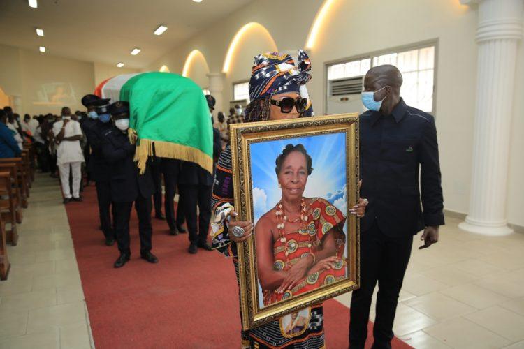 Faite commandeur à titre posthume, Allah Thérèse inhumée aujourd'hui (musique, Côte d'Ivoire)