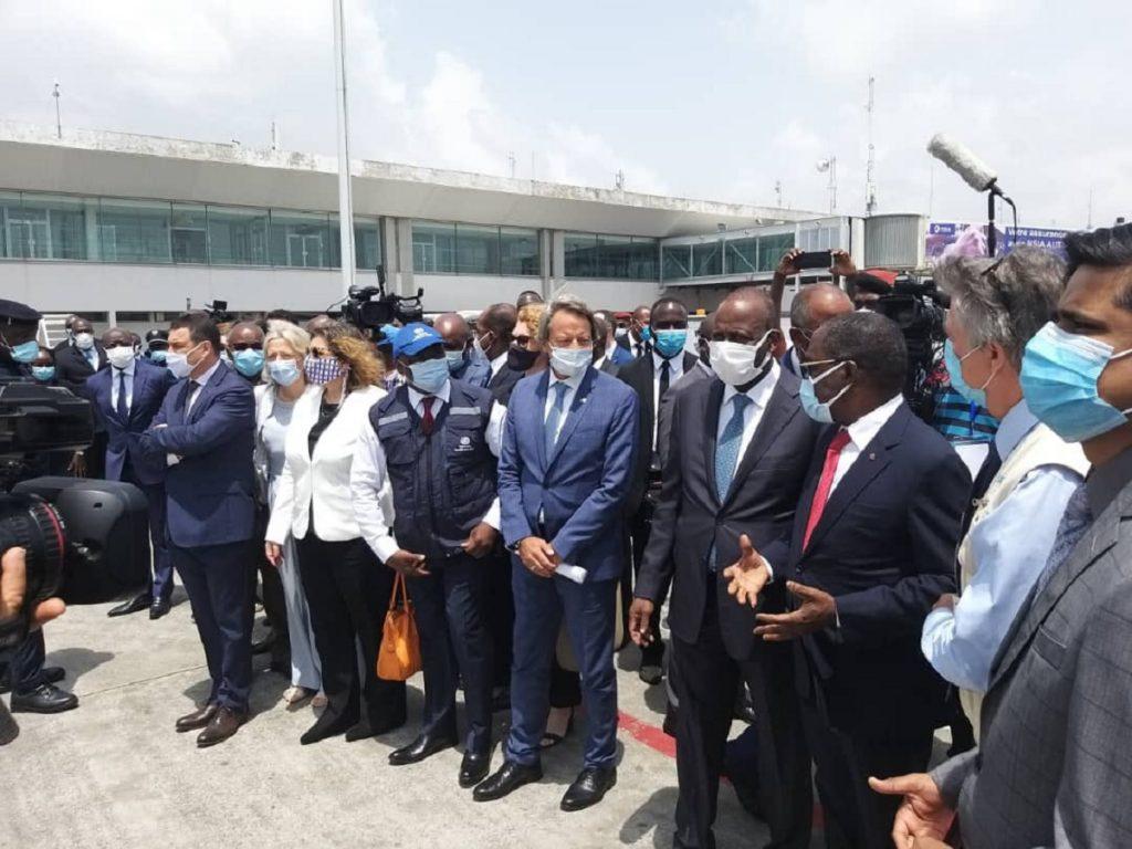 Vaccins COVID-19: Des diplomates saluent la livraison des doses covax à la Côte d'Ivoire
