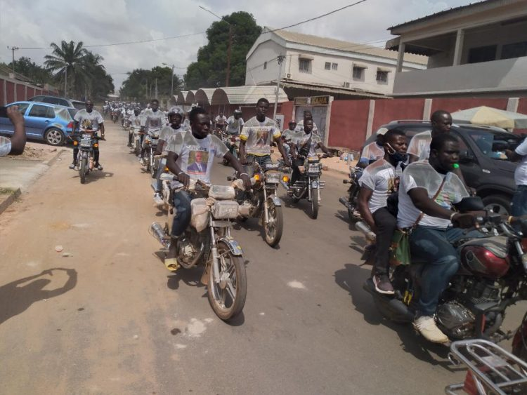 1000 motos pour escorter le candidat du rhdp,  Amadou Koné lors du lancement de la campagne législative à Bouaké