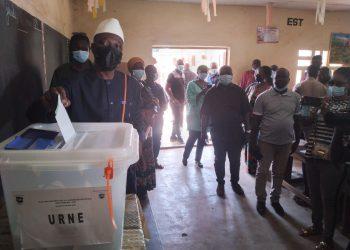 Amadou Koné qui sollicite pour la première fois le suffrage électif des bouakois, a voté ce samedi 6 mars 2021, pour le poste de député.