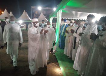 Près de 300 imams venus de tous les quatre coins de la région du Worodougou (Nord-ouest), mais également des autres régions du pays ont prié pour le repos de l'âme du premier ministre Hamed Bakayoko. Ils ont prié aussi pour le président Alassane Ouattara et la première Dame Dominique Ouattara. C'était le jeudi 18 mars 2021 au stade Losseni Soumahoro de Séguéla en présence du couple présidentiel.
