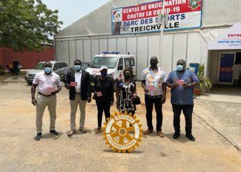Côte d'Ivoire : Dominique Ouattara  au chevet de 19 enfants atteints de Sténose caustique