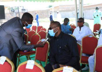 Le ministre ivoirien des Ressources Animales et Halieutiques, Sidi Tiémoko Touré, a pris part aux côtés de la forte délégation gouvernementale conduite par le Premier ministre, Achi Patrick, à la cérémonie des obsèques du 40ème jour du Premier ministre, SEM. Hamed Bakayoko. C'était ce dimanche 18 avril 2021, à la place publique de Séguéla.