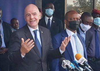 Le président de la FIFA, Gianni Infantino et celui de la CAF, Patrice Motsepe ont appelé à l'unité autour du football ivoirien, mardi 4 mai 2021 lors d'un points de presse au siège de la FIF à Abidjan au sortir d'un entretien avec les membres du Comité de Normalisation.