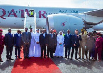 La cérémonie de réception du vol inaugural de la compagnie Qatar Airways à Abidjan s'est tenue le mercredi 16 juin 2021 à l'aéroport international Félix Houphouët Boigny, en présence du Ministre des Transports Amadou Koné