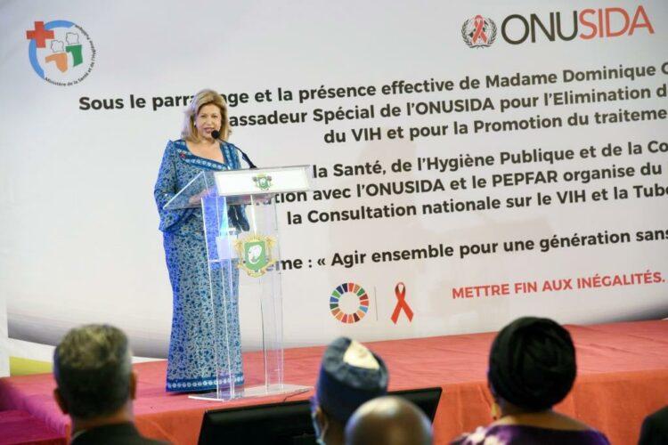 La première Dame Dominique Ouattara a présidé le mardi 8 juin 2021, à la salle des fêtes de l'Hôtel Ivoire, la cérémonie d'ouverture de la Consultation nationale sur le VIH et la tuberculose pédiatrique. La présidente de la fondation Children of Arica et Ambassadeur spécial de l'ONUSIDA pour l'élimination de la transmission mère-enfant du VIH et pour la promotion du traitement pédiatrique, en a profité pour exposer sur les engagements nationaux vis-à-vis des enfants et a lancé un appel pour l'éradication de ces deux fléaux d'ici 2025.