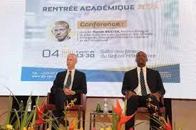 Franck Riester, Ministre français au Commerce extérieur et à l'attractivité conseille aux jeunes de Côte d'Ivoire de ne pas avoir peur