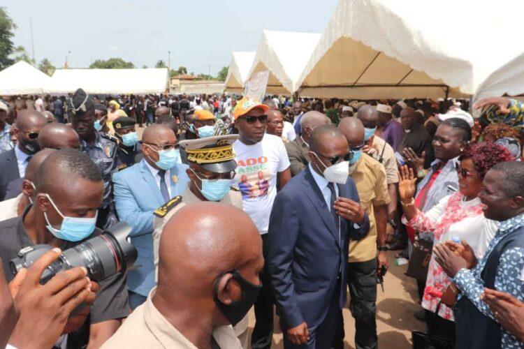 Le ministre Amadou Koné, était l'invité des populations du Guémon ( ouest) le samedi 5 juin 2021 dans le cadre de la cérémonie d'hommage