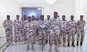 Historiquement, l'Afrique se caractérise, depuis les indépendances, par une instabilité politique chronique, dont le symbole est cette longue