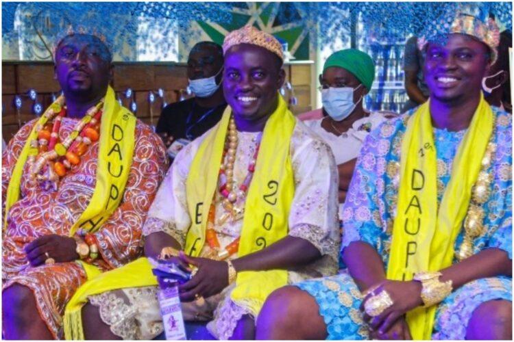 Après la fin de la 40ème édition du Popo Carnaval de Bonoua le 10 avril dernier, place été faite à la cérémonie de récompense des trios gagnants des différents concours de beauté: Awoulaba, Ebé Miss ainsi que du concours culinaire. C'était le jeudi 15 juin 2021, au siège du sponsor leader du Popo Carnaval sis, à Abidjan Yopougon.