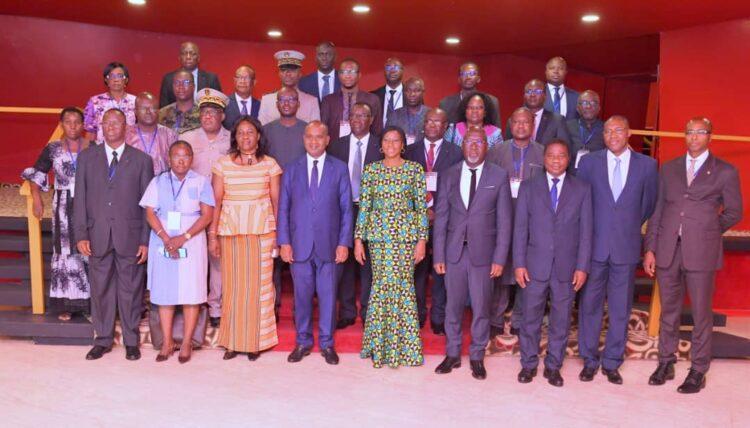 À l'ouverture de la réunion des ministres en charge des Affaires étrangères dans le cadre de la 9ème conférence au sommet du Traité d'amitié et de coopération entre la Côte d'Ivoire et le Burkina Faso, le lundi 26 juillet 2021 au Sofitel hôtel Ivoire-Abidjan, Kandia Camara, ministre d'État, ministre des Affaires étrangères, de l'Intégration africaine et de la Diaspora et son homologue, Alpha Barry, ministre des Affaires étrangères, de la Coopération, de l'Intégration africaine et des Burkinabè de l'extérieur ont appelé à des recommandations consensuelles à proposer à leurs Premiers ministres respectifs