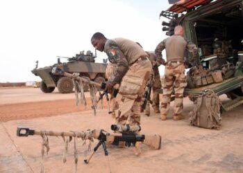 La France, qui vient d'annoncer la fin de Barkhane, va fermer, d'ici 2022, ses bases du Nord Mali : Kidal, Tessalit et Tombouctou. Quels sont les enjeux de la fin de Barkhane pour la région du G5 Sahel, mais aussi pour l'Afrique de l'Ouest et les pays côtiers du Golfe de Guinée comme la Côte d'Ivoire ? Il ne s'agit pas d'un désengagement de la France dans la lutte contre le terrorisme en Afrique, mais d'un changement de stratégie nécessaire après plus de huit ans d'un engagement massif.