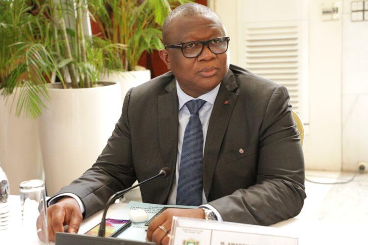 Amadou Coulibaly, ministre de la Communication, des Médias et de la Francophonie, porte-parole du gouvernement a au terme du conseil des ministres du mercredi 22 septembre 2021 au palais de la présidence de la République, fait le point du crash de l'hélicoptère de type MI 24, survenu dans la nuit du 9 au 10 septembre dernier au Nord-Est de la Côte d'Ivoire, avec cinq membres d'équipage à bord. Il a révélé à cette occasion que l'une des boîtes noires a été retrouvée.