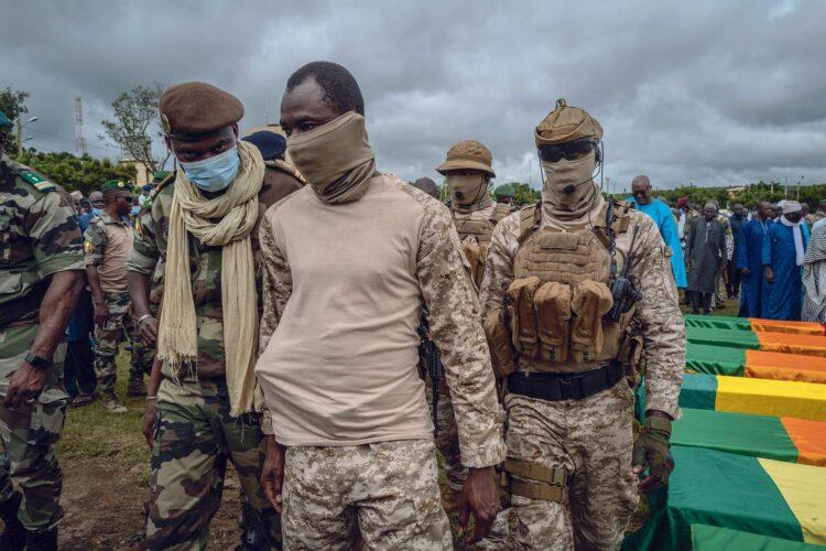 Assimi Goïta fait-il peur au couple franco-allemand ? Face aux derniers développements de la crise de la coopération militaire entre le Mali et la France, et qui secoue aussi, l'Allemagne, on finit par se poser cette question. Évidemment, après tout cela, le Mali a le droit de diversifier ses partenaires de développement.
