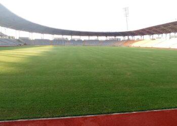 La CAF n'a pas homologué le nouveau stade de Yamoussoukro pour recevoir les matches de l'équipe nationale de Côte d'Ivoire, a-t-on appris lundi 20 septembre 2021. Par conséquent, les Éléphants joueront leurs matches à venir contre le Malawi à l'extérieur et c'est l'Afrique du Sud qui est envisagée.