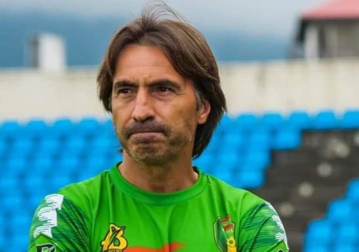 Le sélectionneur de l'équipe nationale de la Mauritanie, Corentin Da Silva Martins a été limogé dans la nuit de dimanche 10 au lundi 11 octobre 2021 à la suite de l'élimination des Mourabitounes pour le 3ème tour qualificatif des éliminatoires du Mondial 2022 de football, a appris afrikipresse.fr. sur les antennes de la télévision Arriada MR.