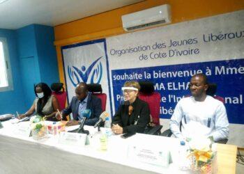 Dr Hakima El Haite a échangé avec l'organisation des jeunes libéraux de Côte d'Ivoire (OJLCI) dirigée par Idriss Ouattara le dimanche 24 octobre 2021. Photo: A. Traoré