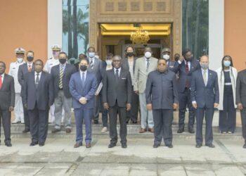 Les administrations de Malabo et de Washington donnent un nouvel élan à leurs relations de coopération en matière de défense et de sécurité. Les deux parties intéressées se sont réunies à nouveau dans le Palais du Peuple de Malabo pour travailler sur un nouveau cadre stratégique de lutte contre la piraterie maritime dans le Golfe de Guinée.