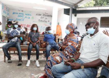 """Le Centre d'Accompagnement et de soins en Addictologie d'Abidjan (CASA) situé à Abidjan-Marcory a accueilli la première édition des """"Échanges Citoyens"""" du Centre d'Information et de Communication Gouvernementale (Cicg), une tribune de discussions à bâtons rompus avec les citoyens sur les projets et actions du gouvernement visant l'amélioration de leur bien-être."""