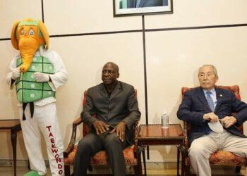 Le grand Me Kim Young Tae, ceinture noire 9ème Dan, précurseur du taekwondo en Côte d'Ivoire assistera à l'inauguration du centre sportif, culturel et des TIC Ivoiro-Coréen prévue le jeudi 28 octobre 2021 en présence du président de la République, Alassane Ouattara. Arrivé à Abidjan , dans la soirée du vendredi 22 octobre 2021, Le grand Me Kim Young Tae a salué, à sa descente d'avion, le travail réalisé par Bamba Cheick Daniel. Il s'est par ailleurs réjoui de l'excellent lien de coopération entre la Côte d'Ivoire et la Corée sud.